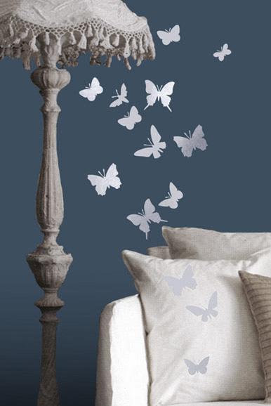 Bu1moth butterflies LR