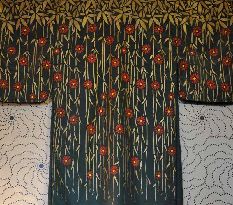 DE31 stencilled kimono 60