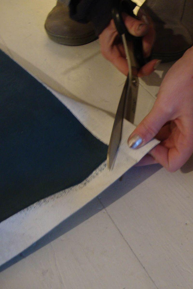 Cutting floorcloth corner72