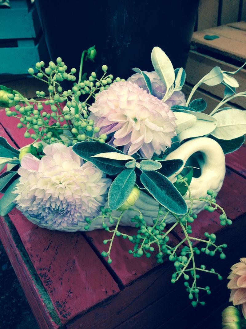 Swan vase 1