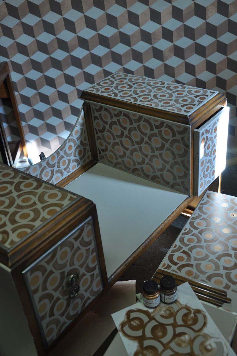 Art deco dresser stencilled 99