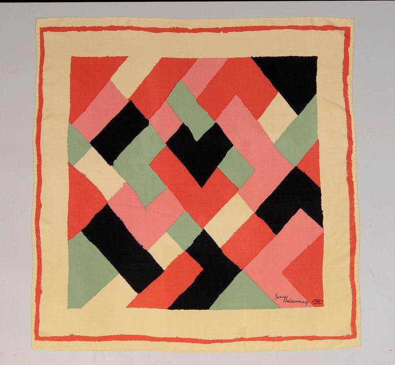 Delaunay scarf