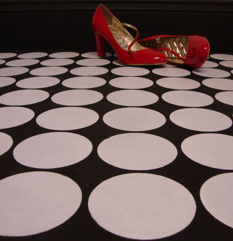 1 dot stencil floor MD
