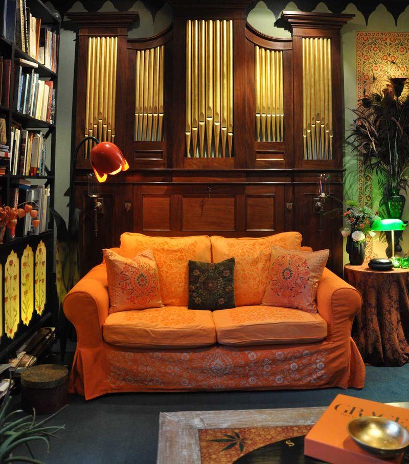 Stencilled sofa72