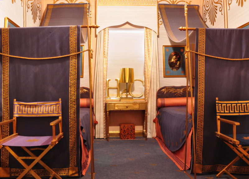 Napoleon_style_stencil_canopy_bed73
