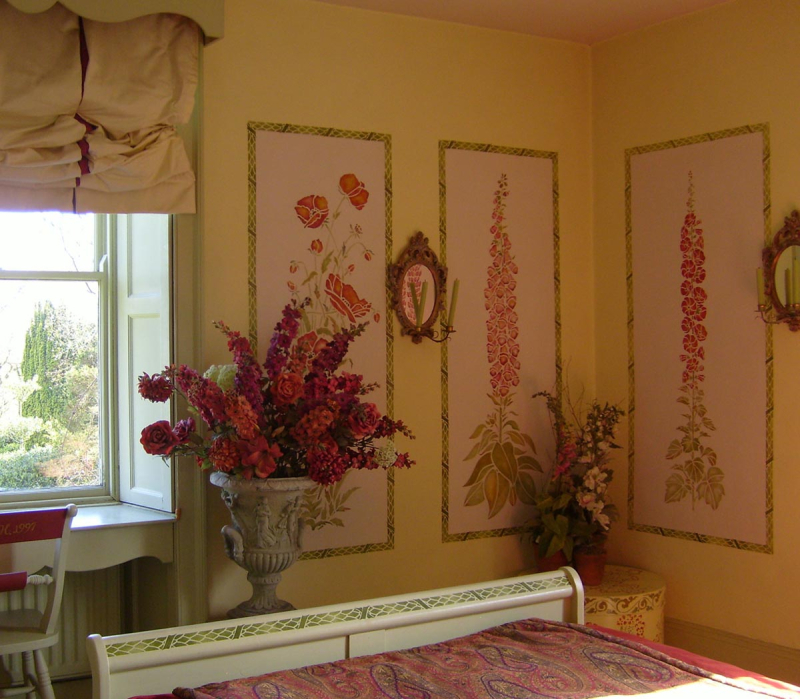 Stencilled_floral_bedroom_stocksfield