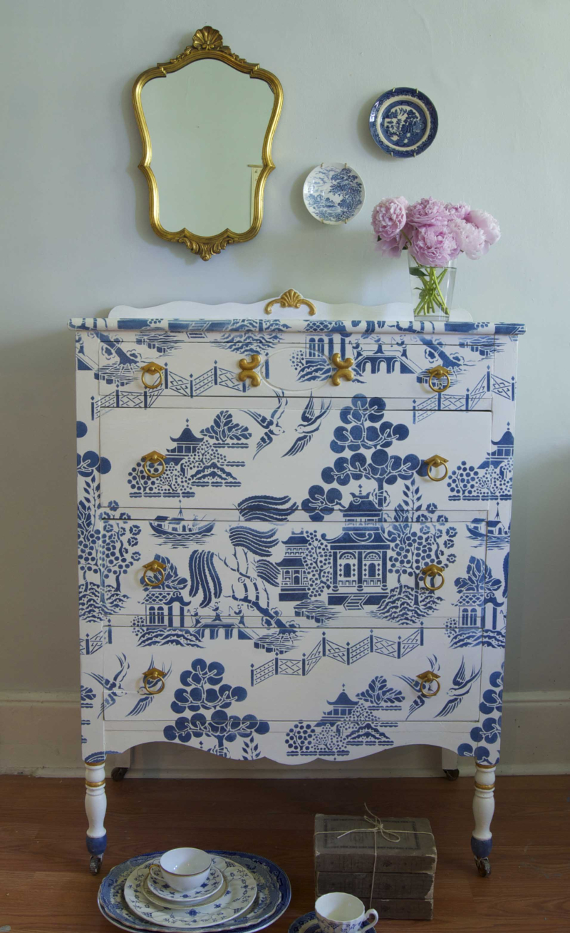 CH32 Willow Pattern stencil from The Stencil Library stencilled by Me&Mrs Jones