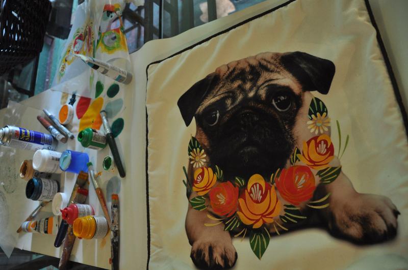 Stencilled pug cushion reveal71