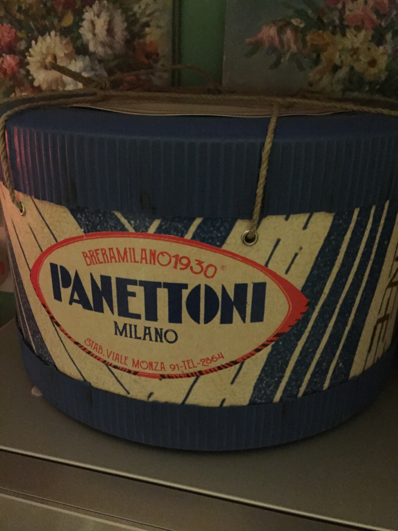 Art deco packaging panettoni 1