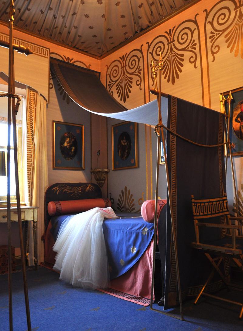 Napoleon_style_bedroom _StocksfieldHall