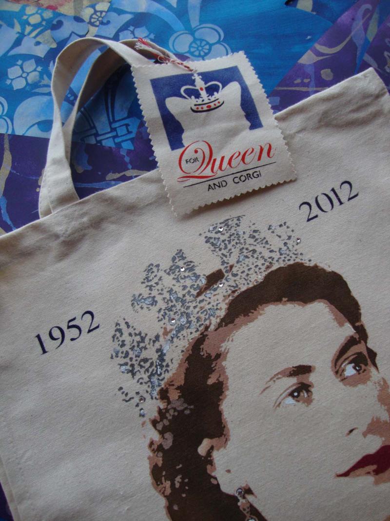 For_queen_and_corgi 843