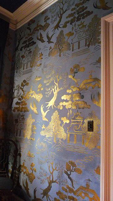 Golden chinoiserie meet matt austin design inspiration for Chinese wallpaper mural