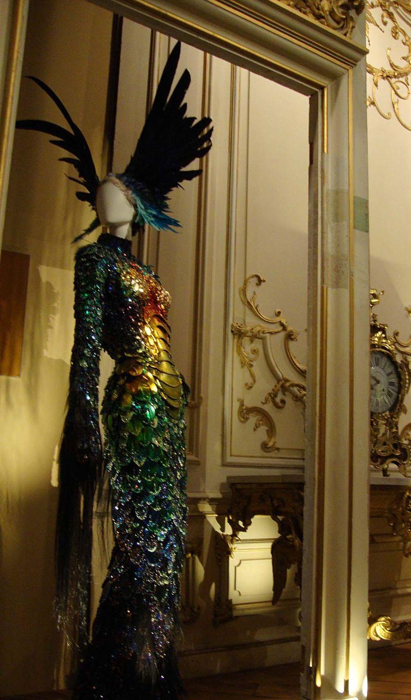 Bowes feathers fashion72
