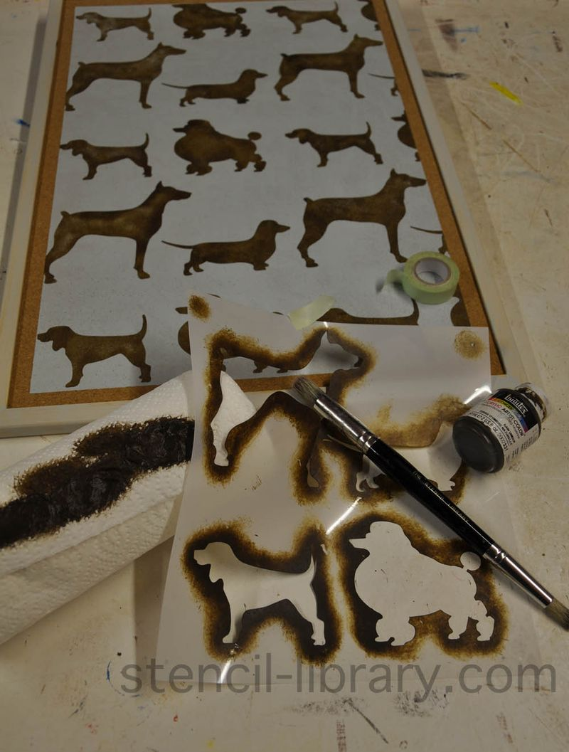 7 stencil of dogs pinboard.47