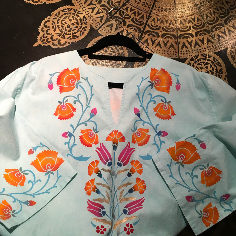 Front of stencilled caftan. 27