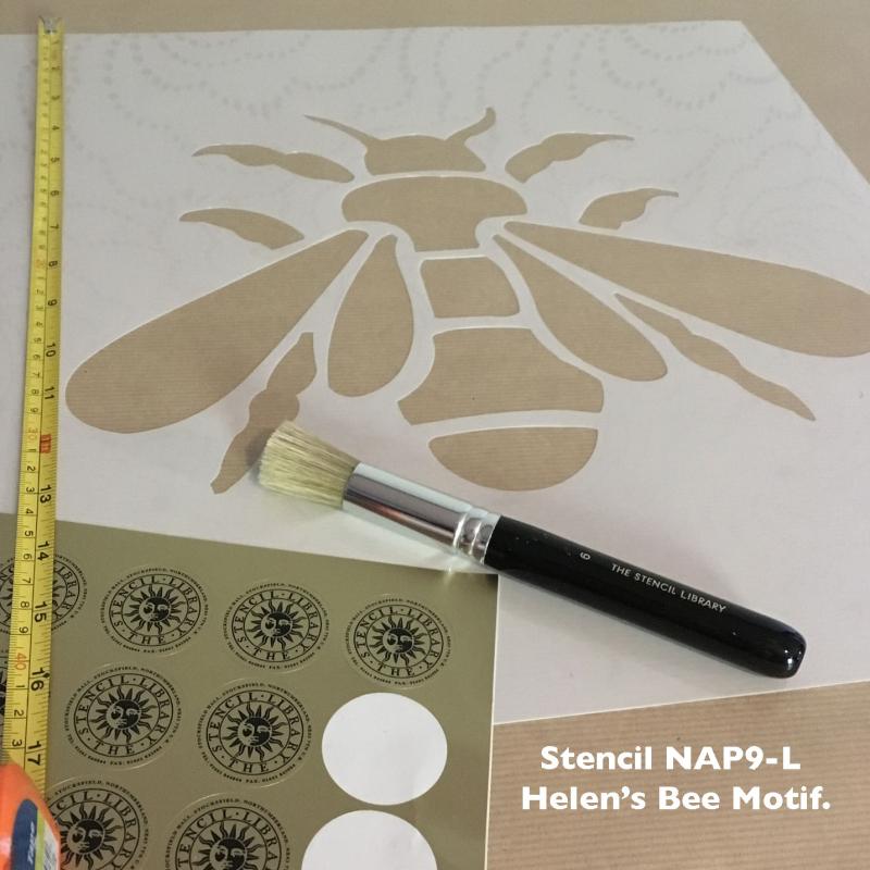 Nap9-L helen's bee motif sq