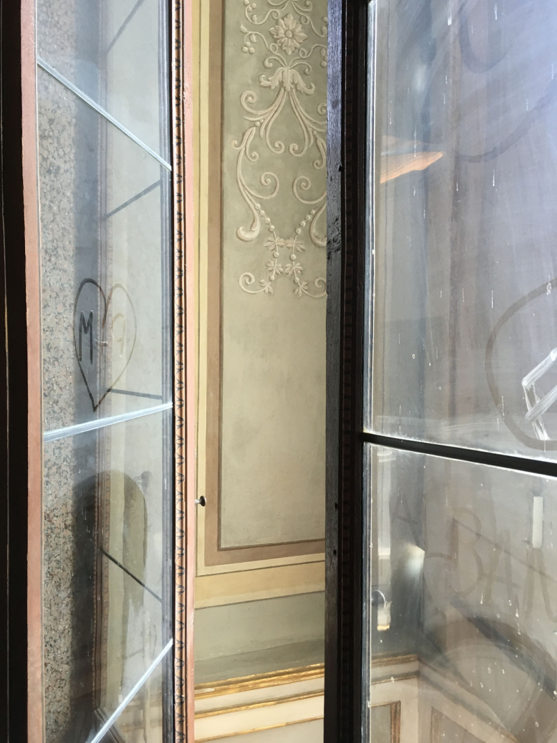 Dusty windows painted panel Caserta