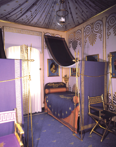 01_napoleon_bedroom_em