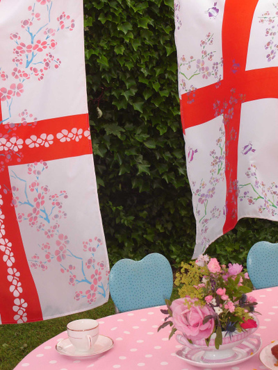 Stencilled_wedding_flags