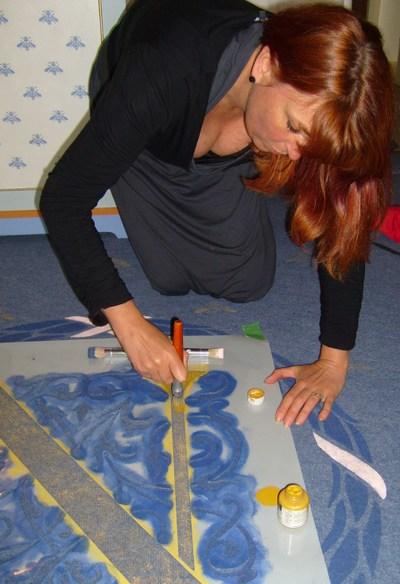 Stencilling_napoleon_carpet_em_2620