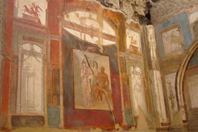 2_herculaneum_red_mural