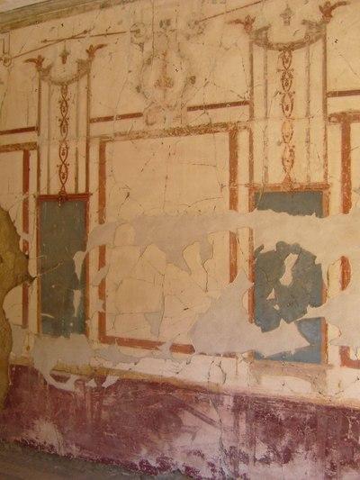 8_herculaneum_white_mural_detail218