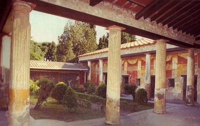 Pompeii_courtyard_garden