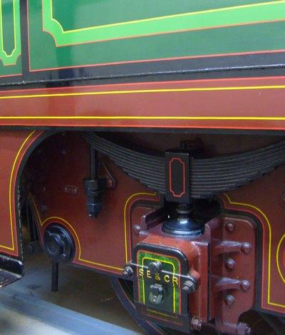 4_coachlining_on_trainhelen_morris_