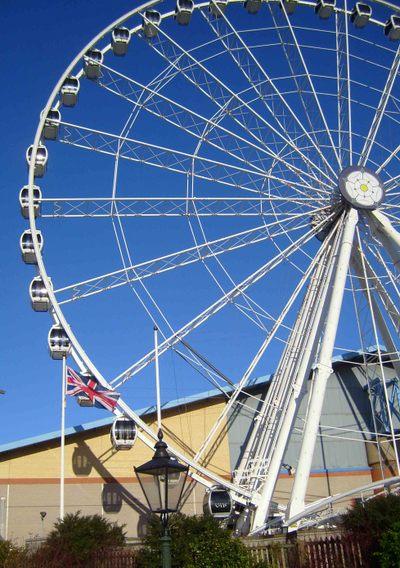 6_ferris_wheel_york_em25