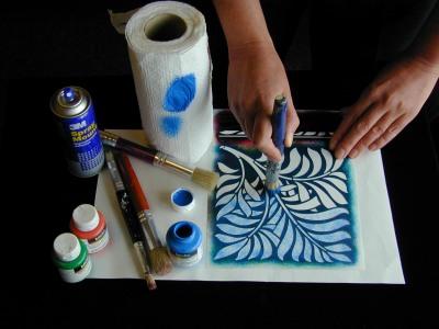 Stippling_paint_through_stencil