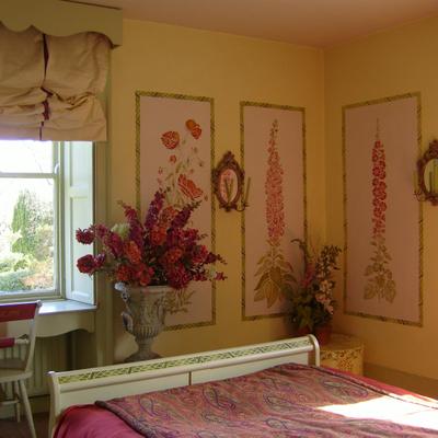 Gustavian_stencilled_bedroom