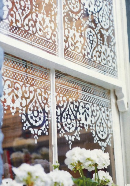 sablon-pencere-dantel